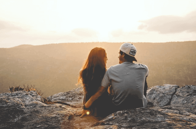 Is A Hike A Good First Date - Hiking Couple
