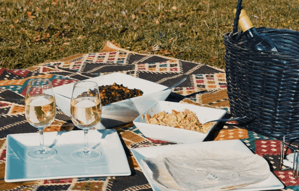 Is A Picnic A Good First Date - Picnic Date Food