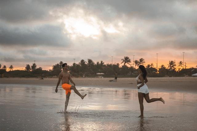 Is The Beach A Good First Date - beach date activity