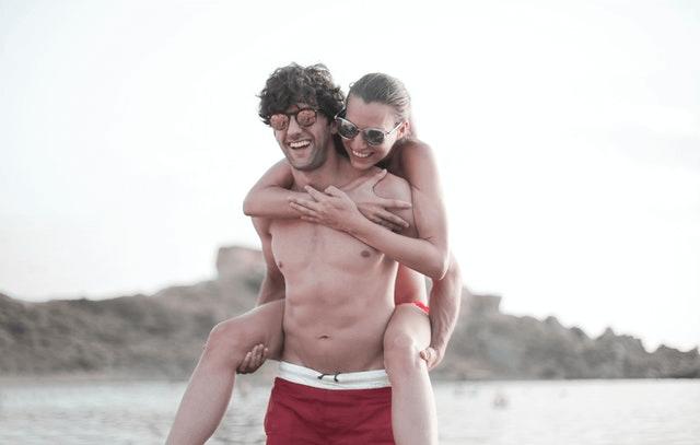 Is The Beach A Good First Date - fun beach date