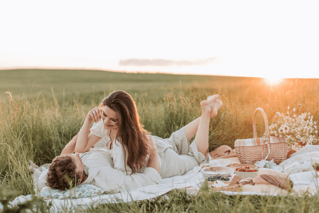 Is A Picnic A Good First Date - picnic in the middle of the field